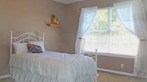 Property Photo: #25-bedroom 3