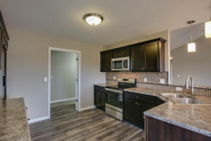 Property Photo: 3701 Clydesdale Dr-8