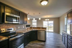 Property Photo: 3701 Clydesdale Dr-9