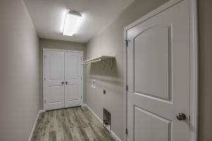 Property Photo: 3701 Clydesdale Dr-11
