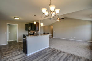 Property Photo: 3701 Clydesdale Dr-13