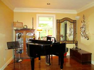 Property Photo: Alcove in Living Room
