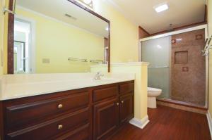 Property Photo: LL Full Bathroom