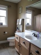 Property Photo: Hall Bath
