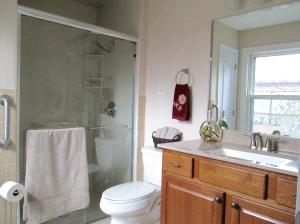 Property Photo: Master Bath