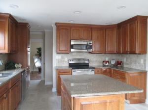 Property Photo: Breakfast Bar Island