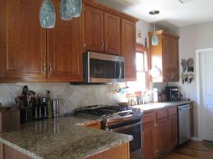 Property Photo: Kitchen Granite Counters