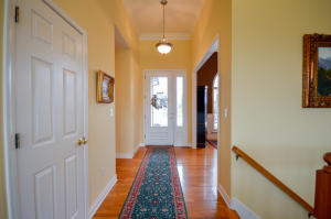 Property Photo: Foyer