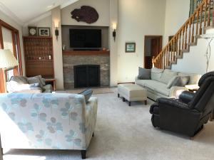 Property Photo: 5060 Hickory Hills LR e