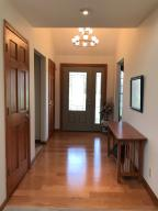 Property Photo: 5060 Hickory Hills Foyer