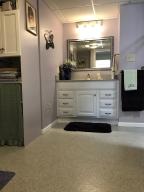 Property Photo: 5060 Hickory Hills Apt Accessible Bath d