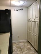 Property Photo: 5060 Hickory Hills Apt Kitchen