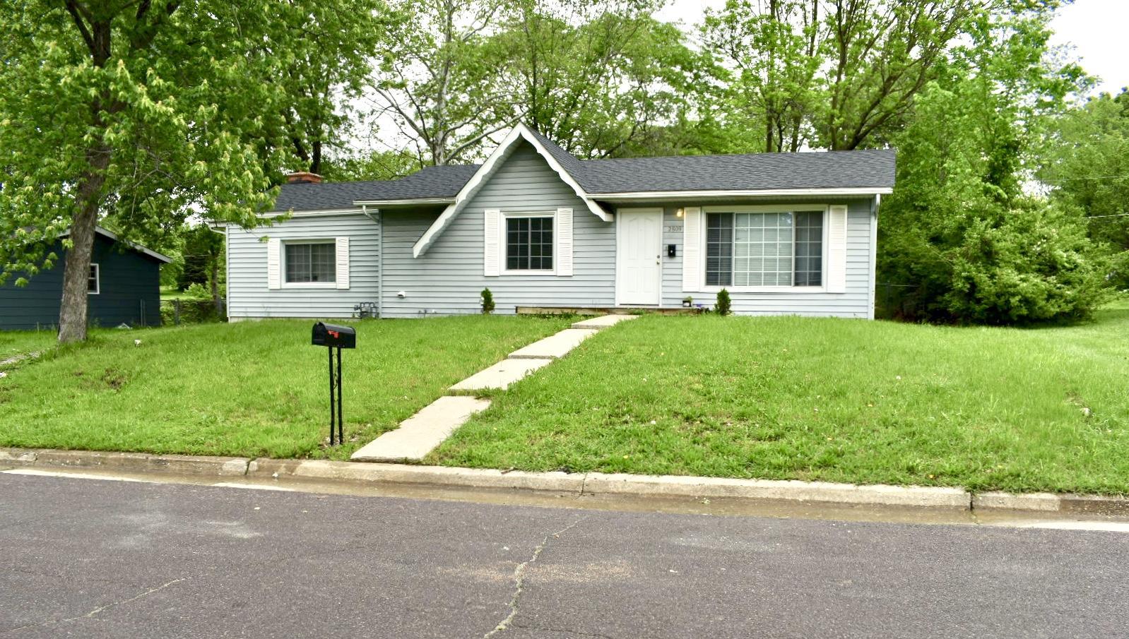 2809 N WILLOWBROOK RD, COLUMBIA, Missouri
