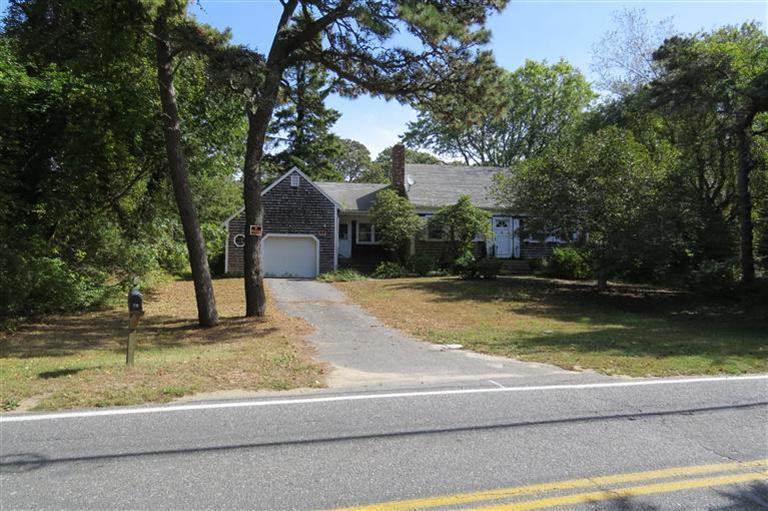 70 Old Queen Anne Road, Chatham MA, details