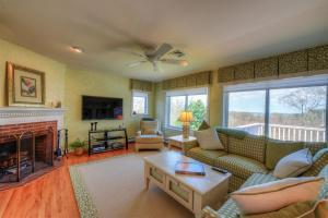 59 STONEWALL DRIVE, WEST BARNSTABLE, MA 02668  Photo 18
