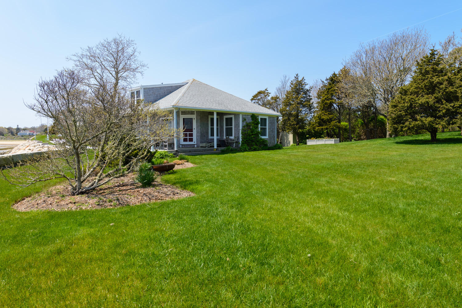 24 Salt Pond Road, Chatham