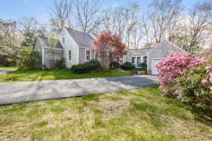 81 HOLLY RIDGE DRIVE, SANDWICH, MA 02563  Photo 3