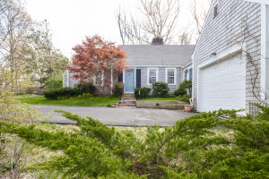 81 HOLLY RIDGE DRIVE, SANDWICH, MA 02563  Photo 2