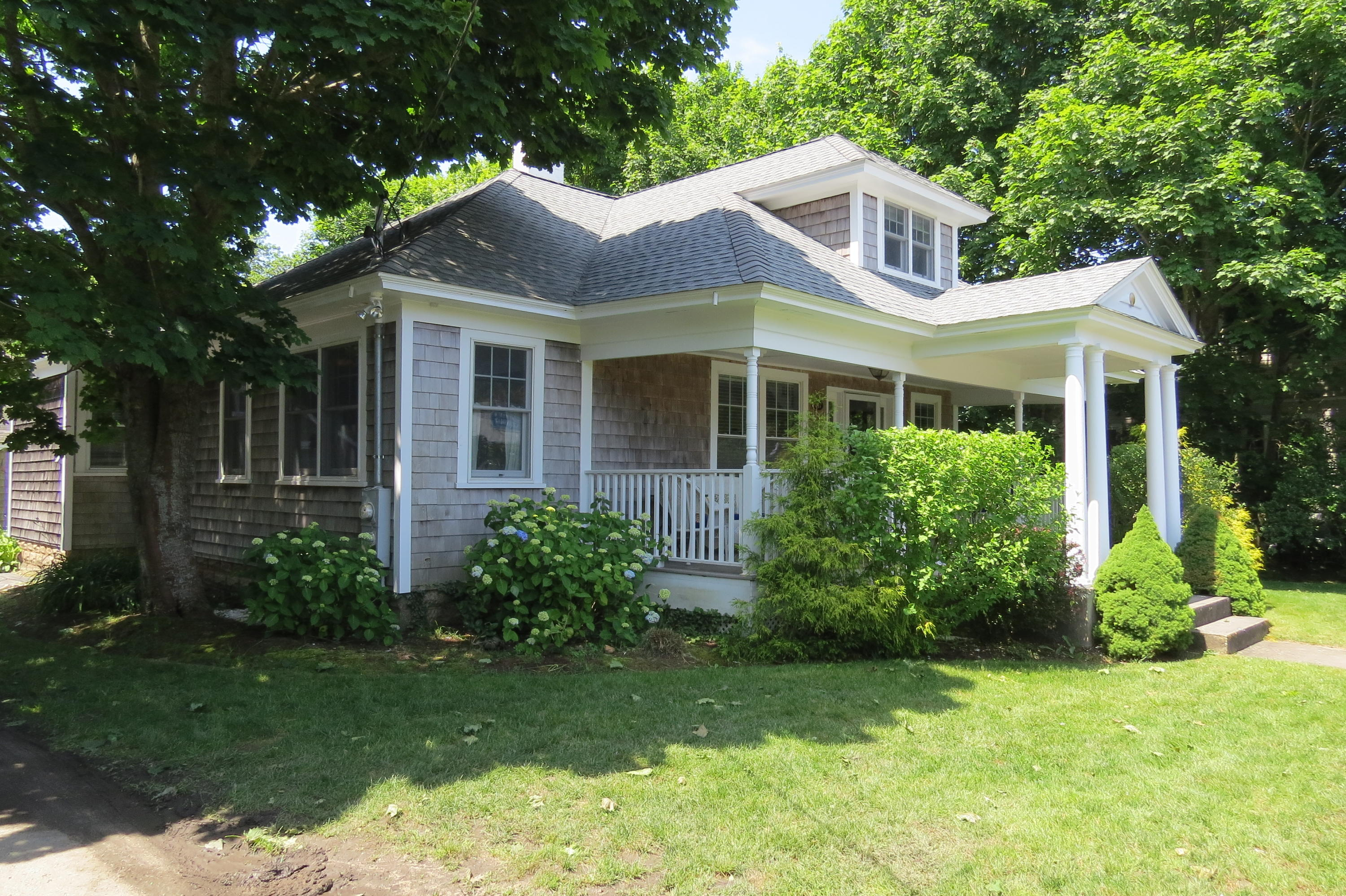Chatham Real Estate - Cape Cod Antique , 745/747 Main Street, Chatham MA, 02633   Listed at $899,000