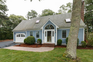 45 TOBISSET STREET, MASHPEE, MA 02649  Photo 3