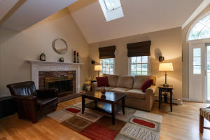 45 TOBISSET STREET, MASHPEE, MA 02649  Photo 6