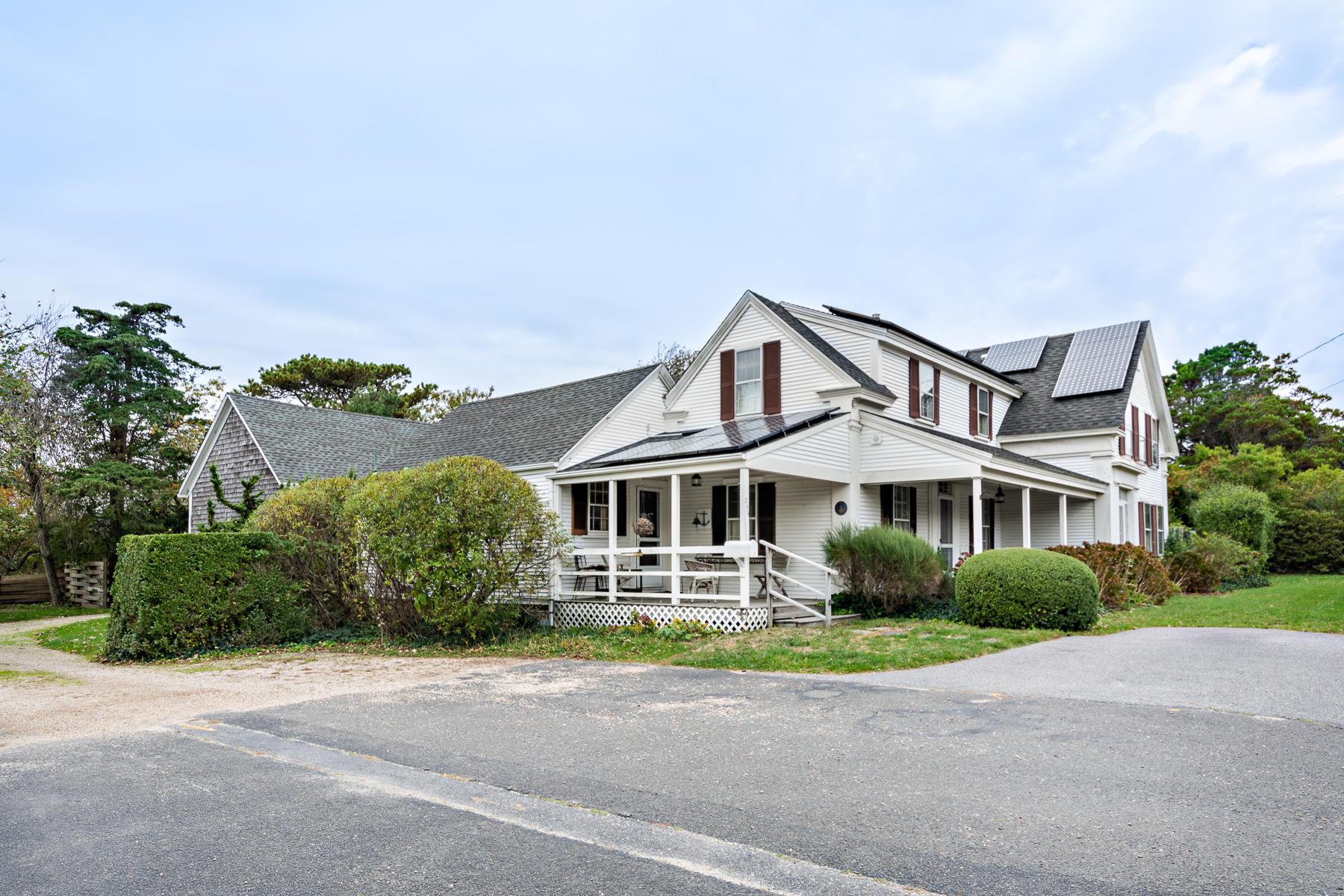 255 Old Harbor Road, Chatham