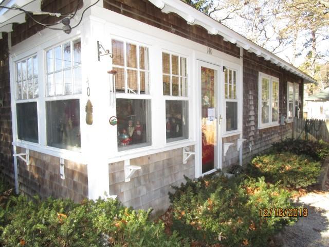 140-pine-street-hyannis