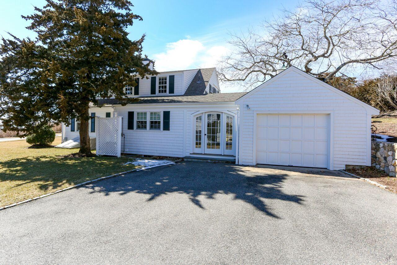 56-irving-avenue-hyannis