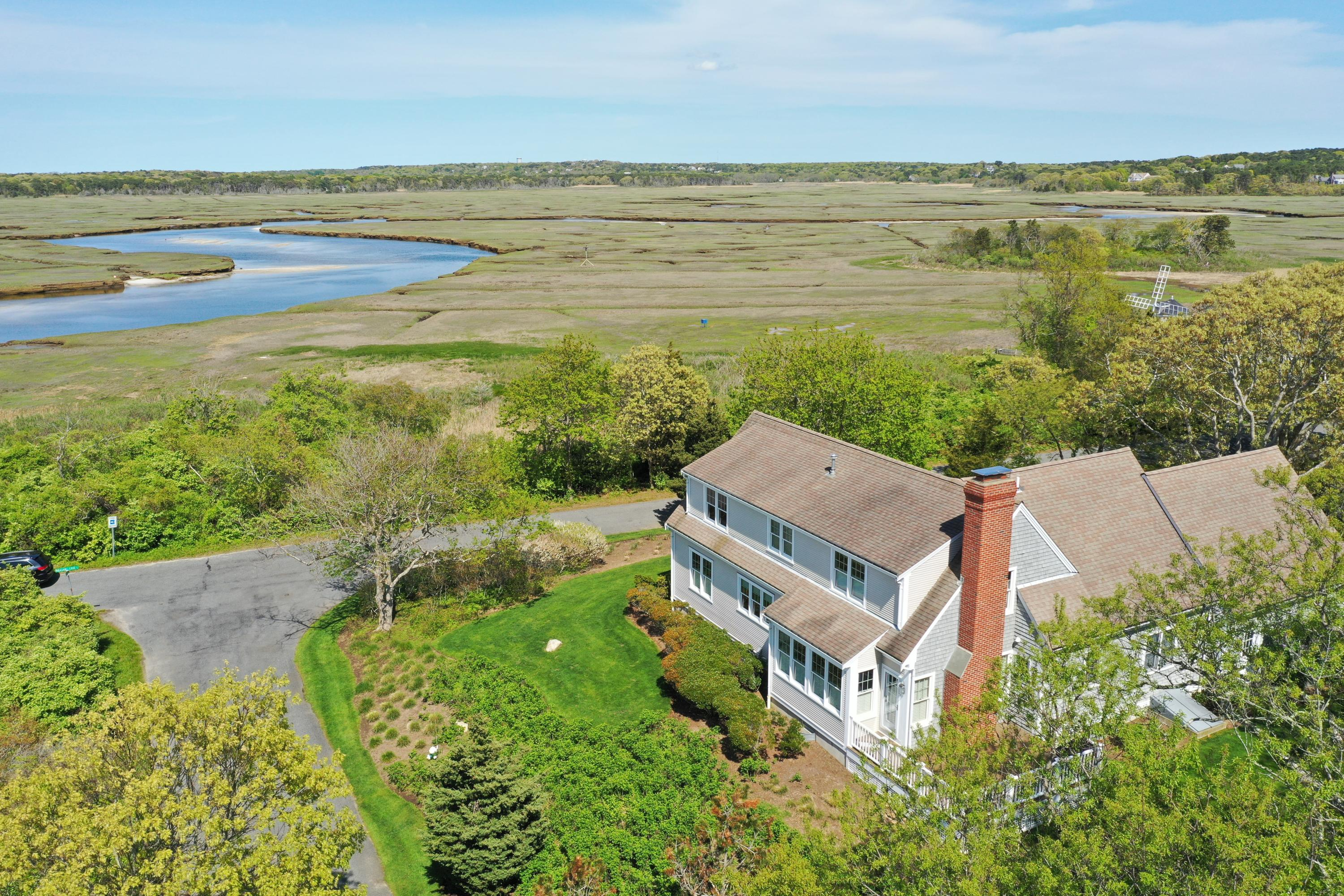 106 Pheasant Cove Circle Yarmouth, MA 02675