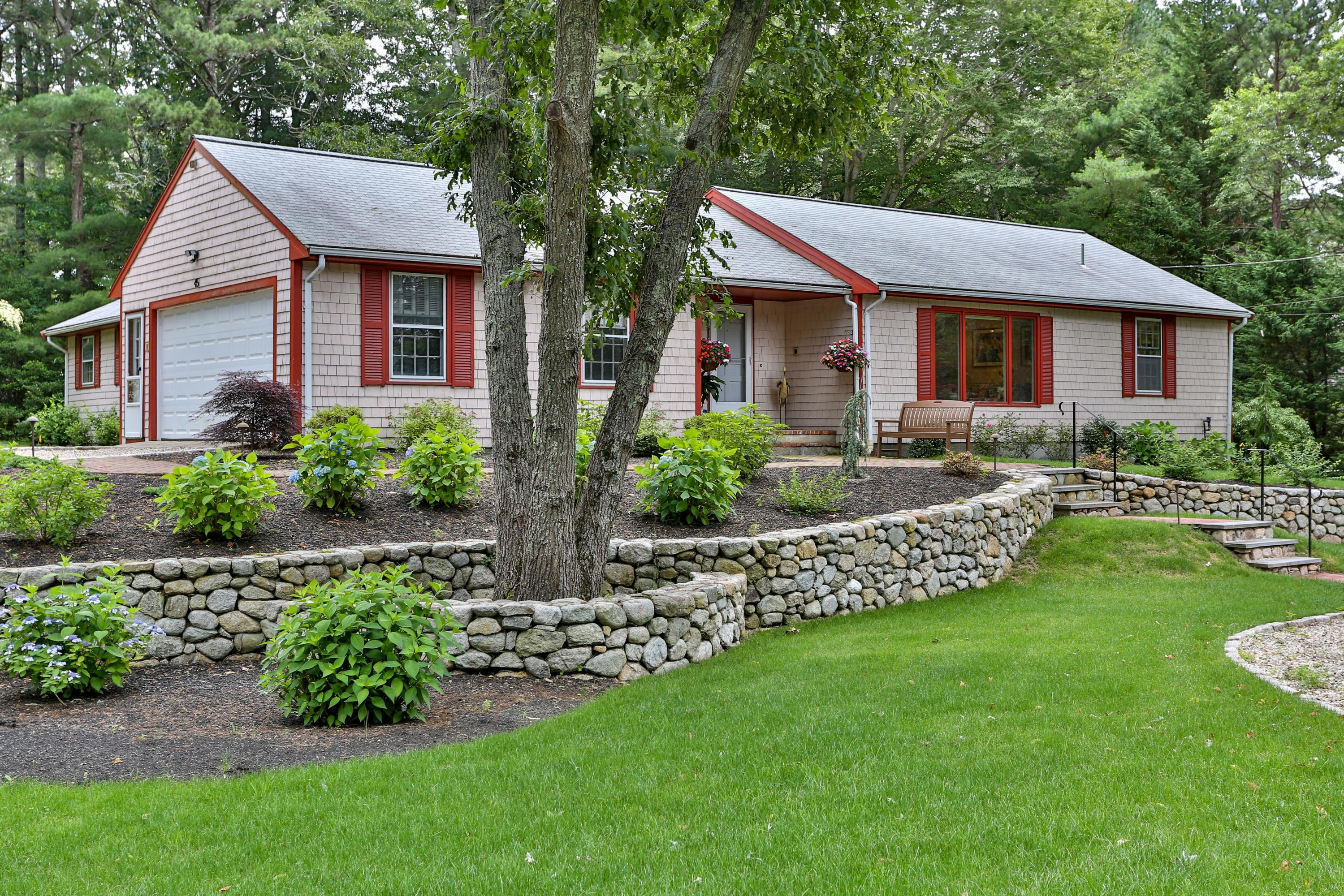 45-holly-point-road-centerville