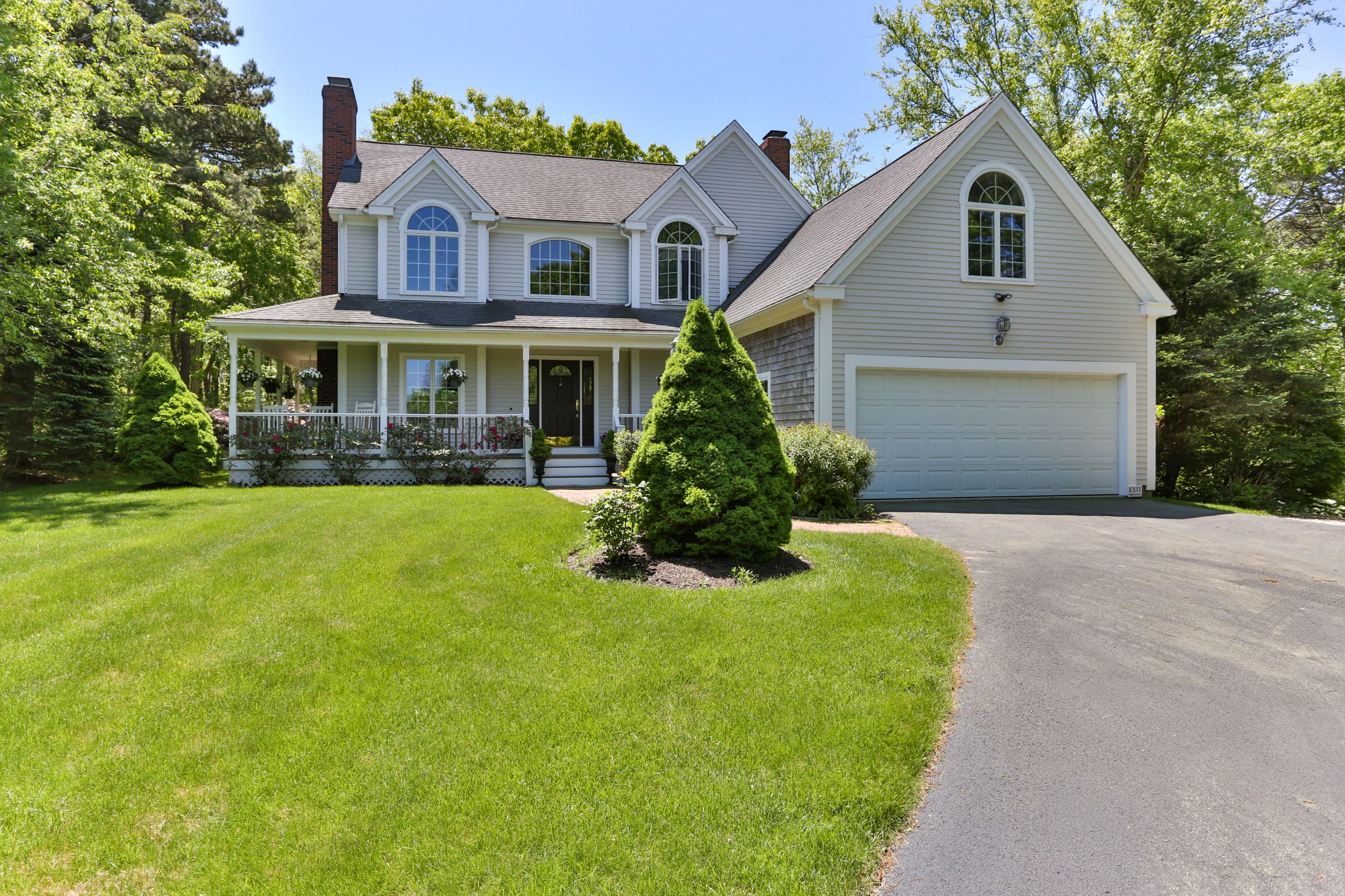 Terrific Homes For Sale In Barnstable Ma William Raveis Real Estate Download Free Architecture Designs Meptaeticmadebymaigaardcom