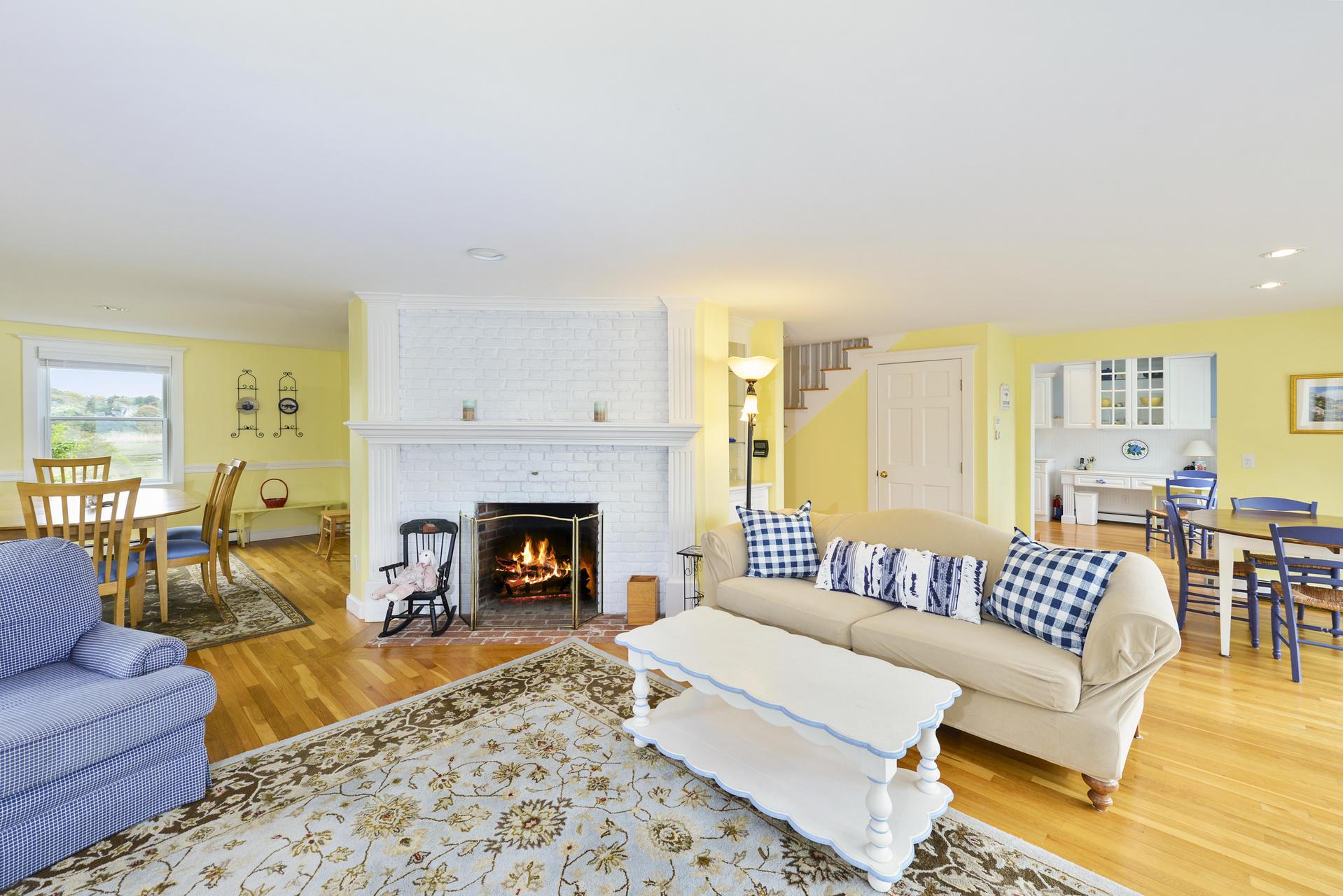 105 Wood Carver Knoll, Chatham