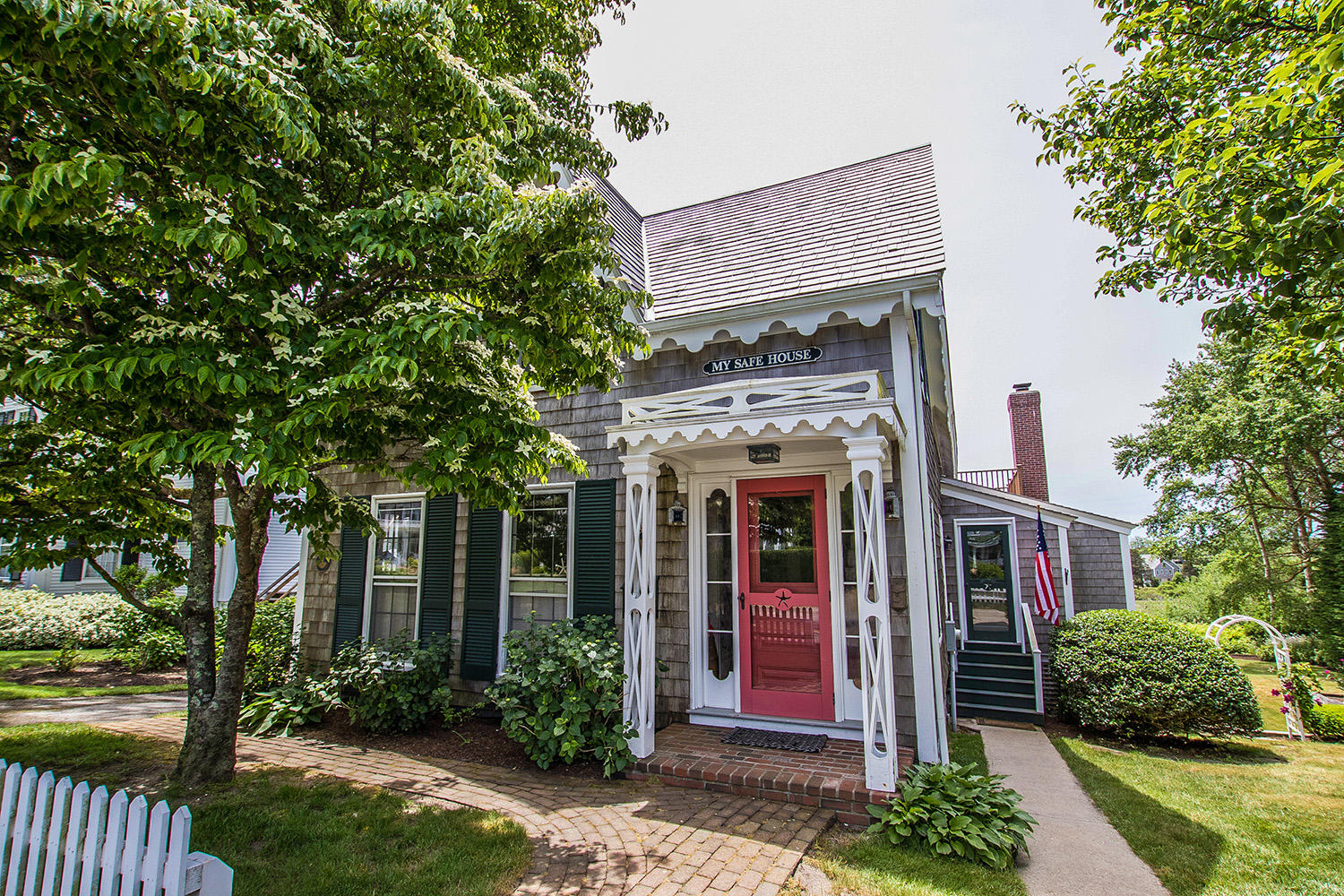 Chatham Real Estate - Cape Cod Antique , 331 Main Street, Chatham MA, 02633   Listed at $2,575,000