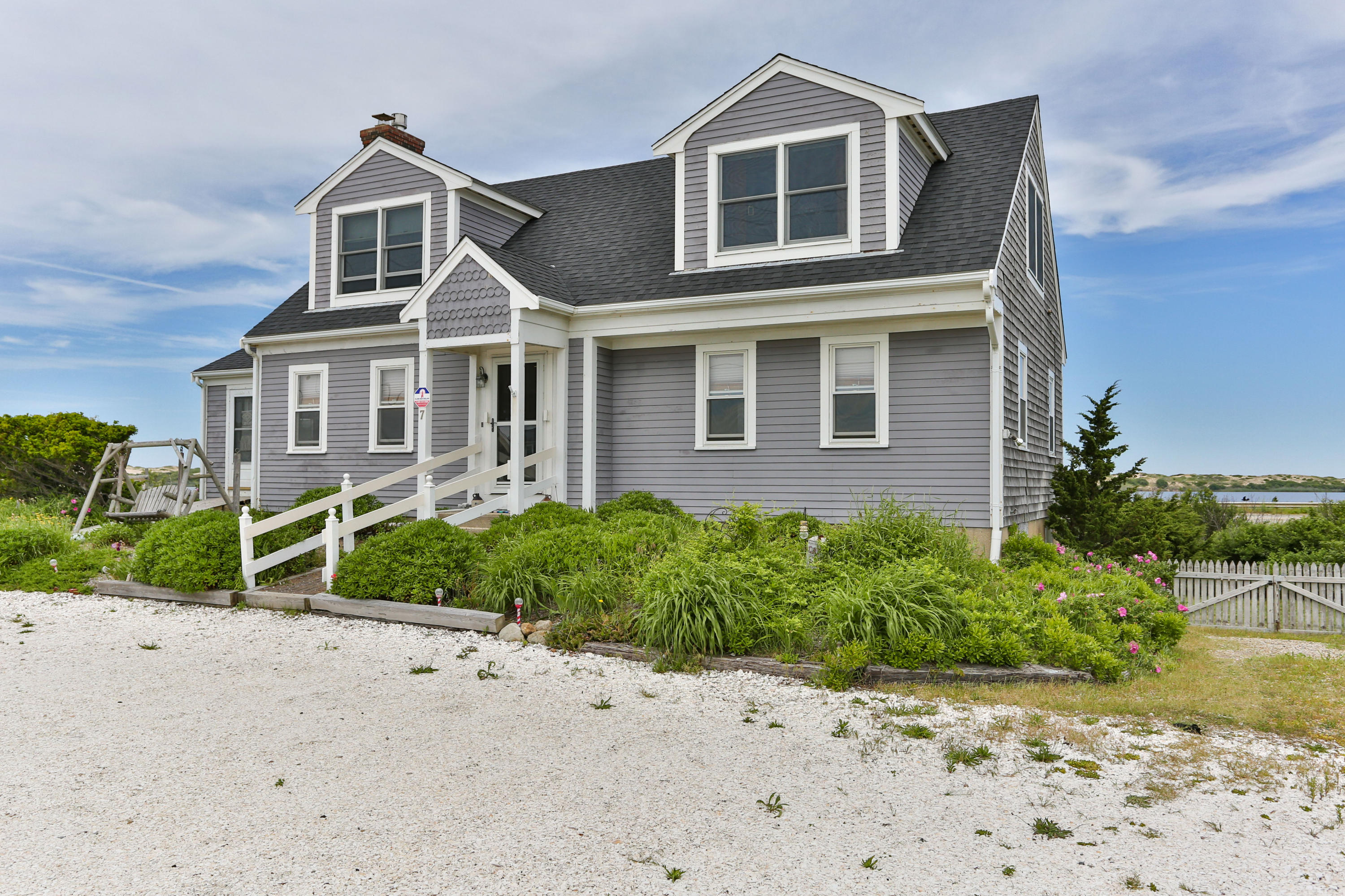 525 Shore Road, North Truro MA, 02652 details