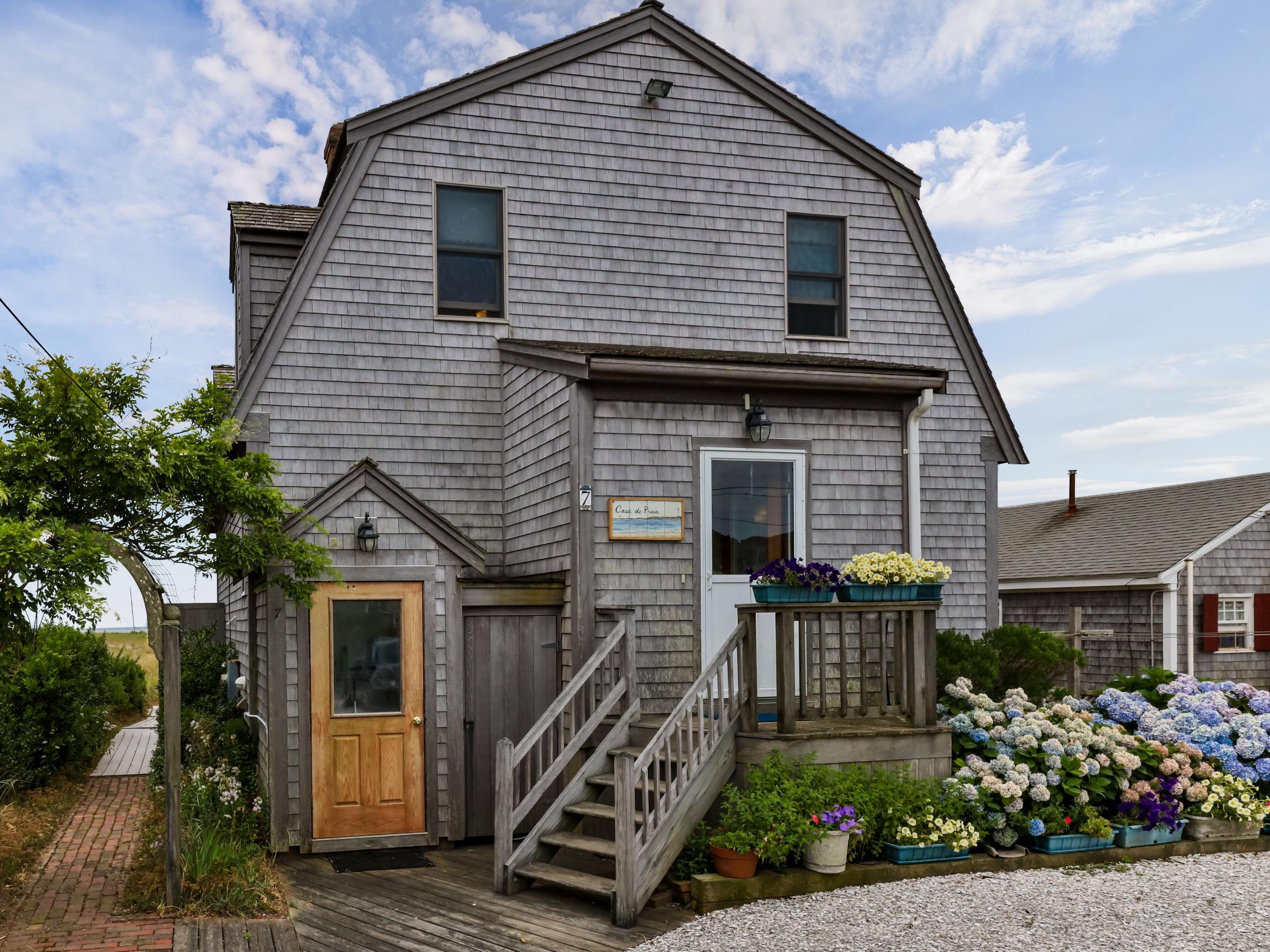 7 Garfield Street, Provincetown MA, 02657 details