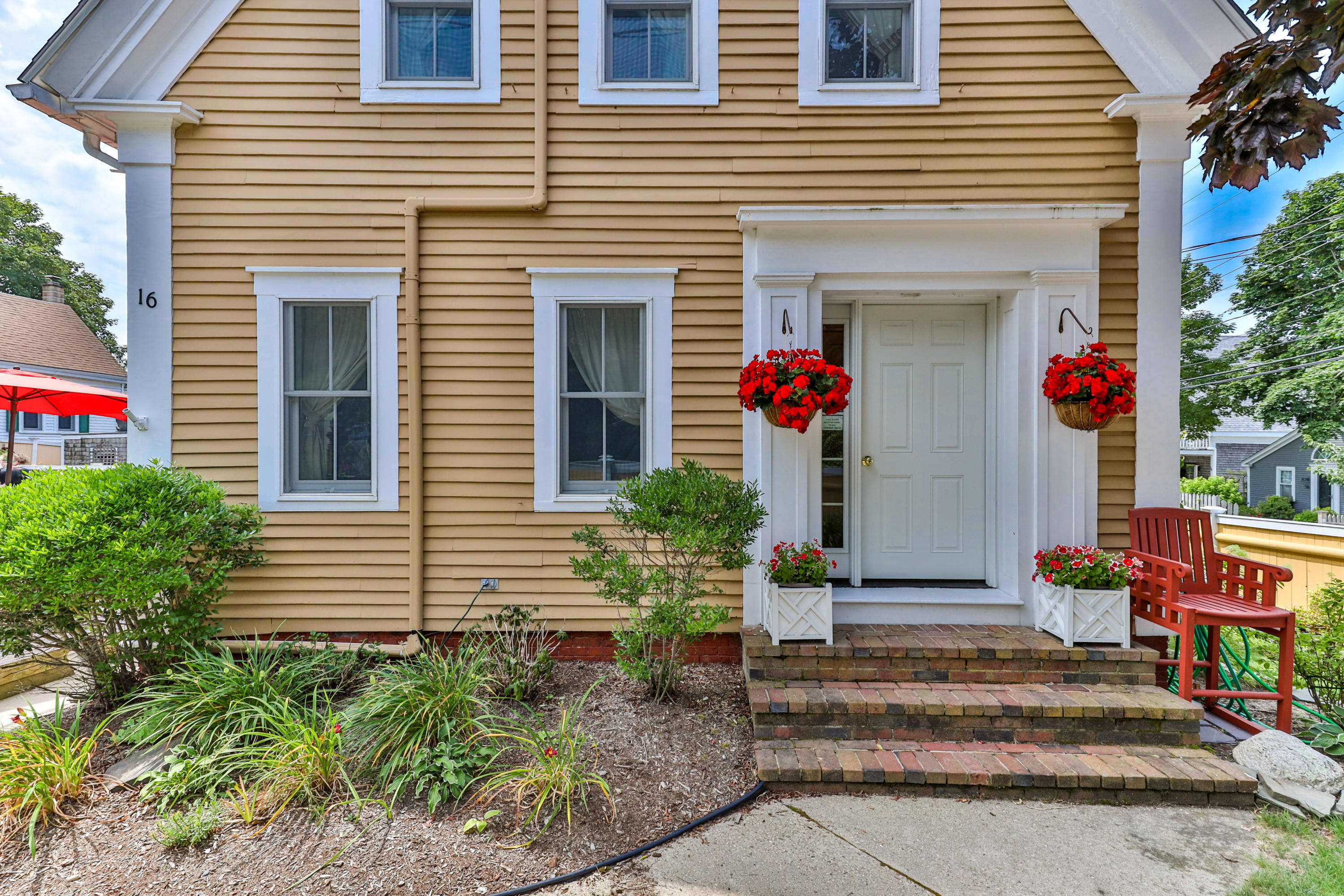 16 Winthrop Street, Provincetown MA, 02657 details