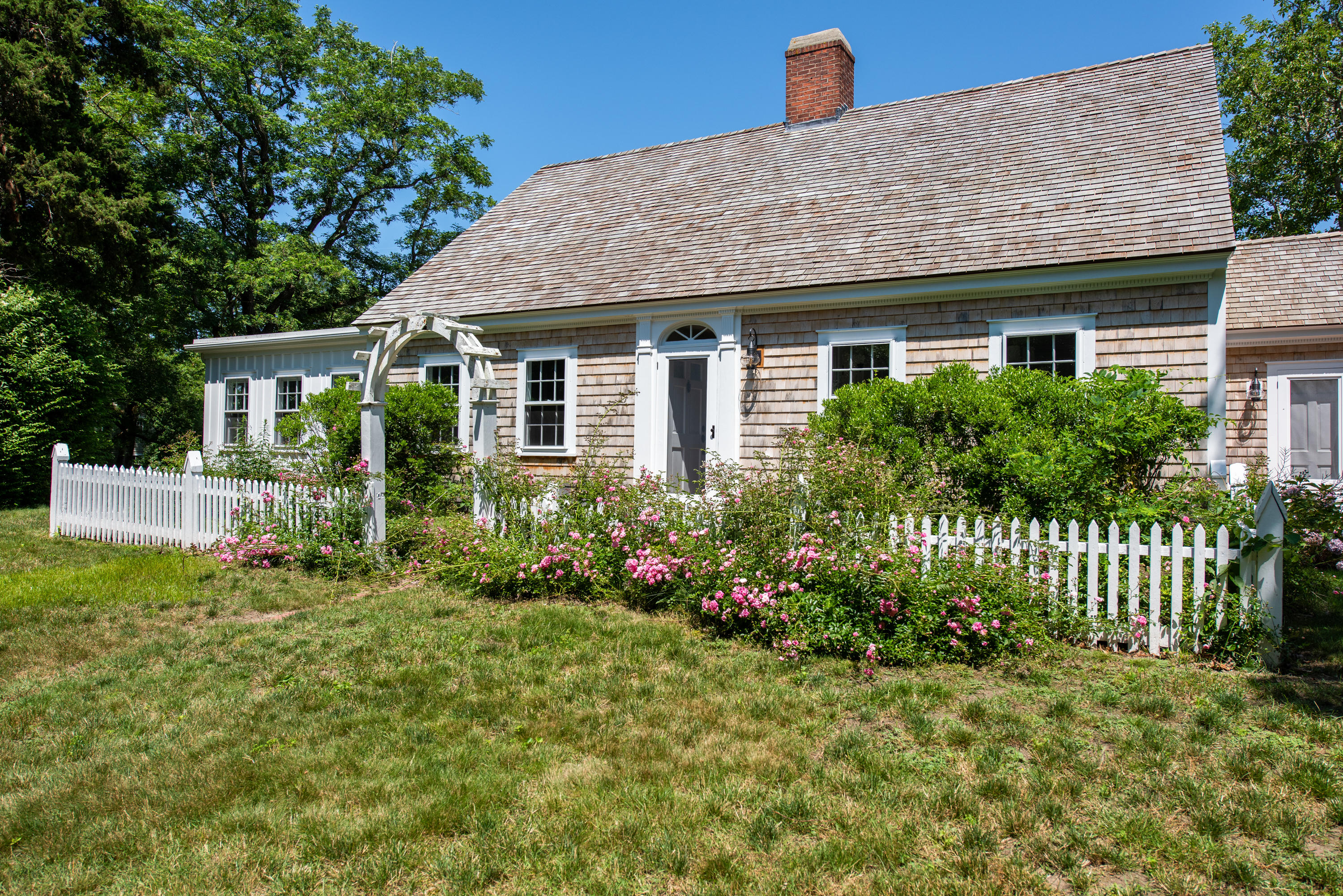 5 Smiths Point Road, West Yarmouth, MA photo 2