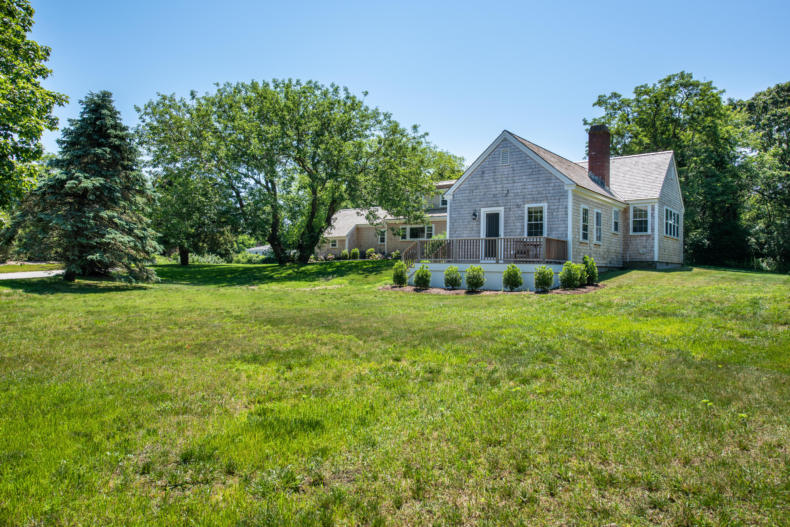 5 Smiths Point Road, West Yarmouth, MA photo 3