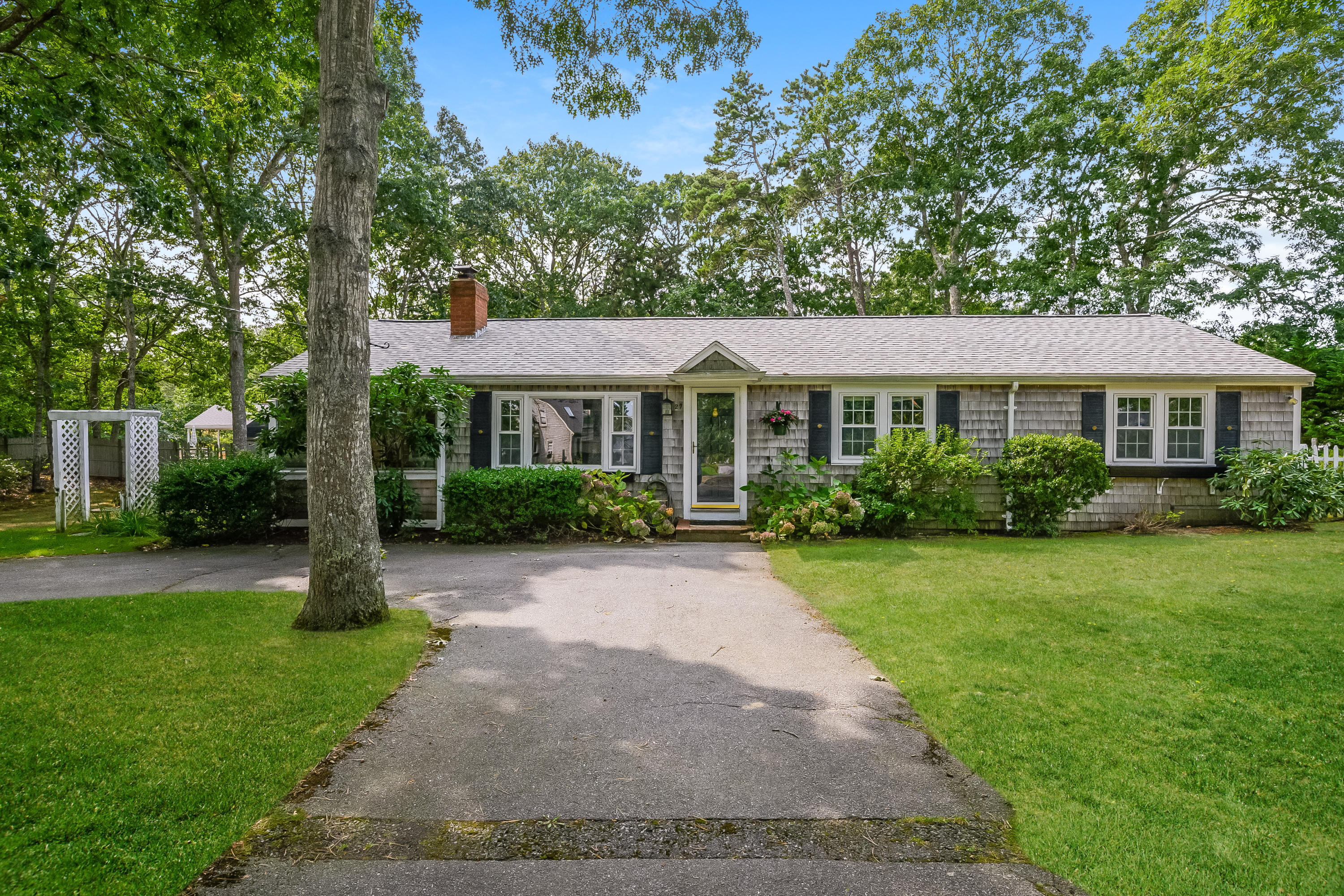 27 Spruce Street, South Yarmouth MA, 02664 details