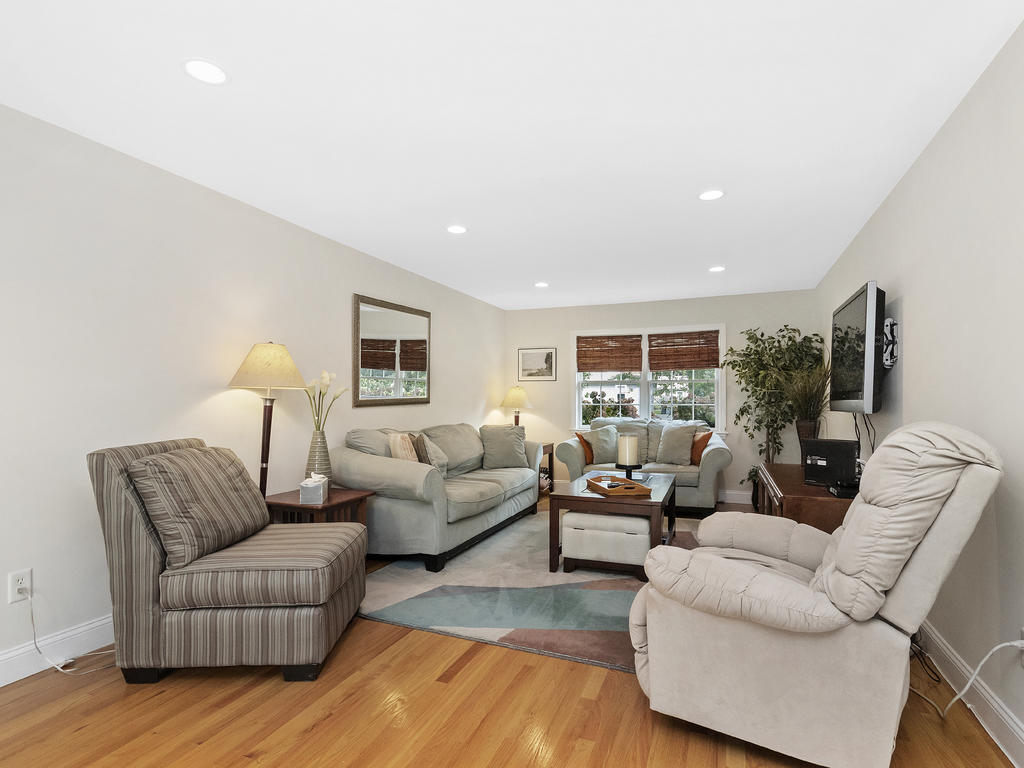 7 Merrymount Road, West Yarmouth, MA photo 13