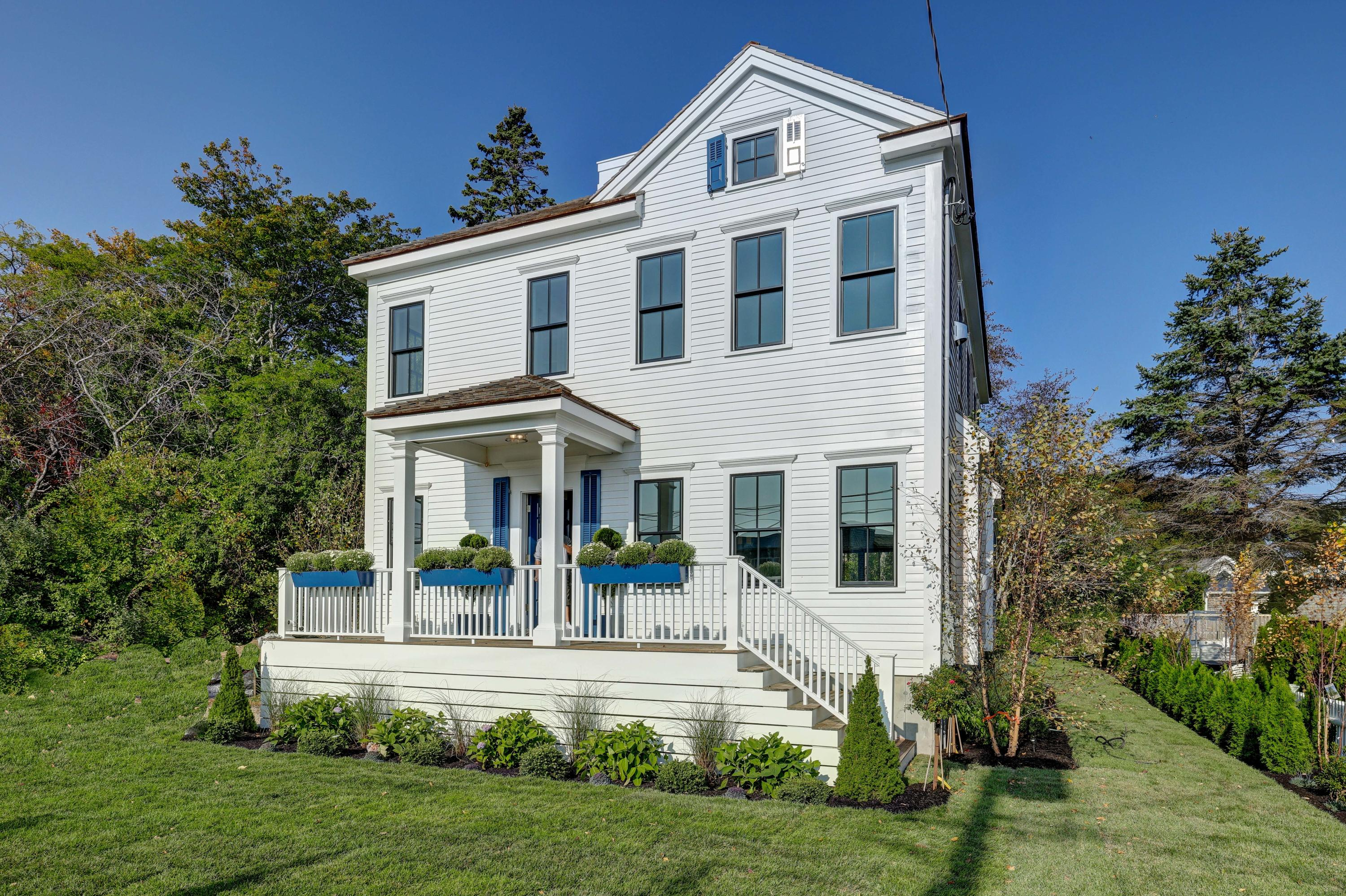 6 Commercial Street, Provincetown MA, 02657 details