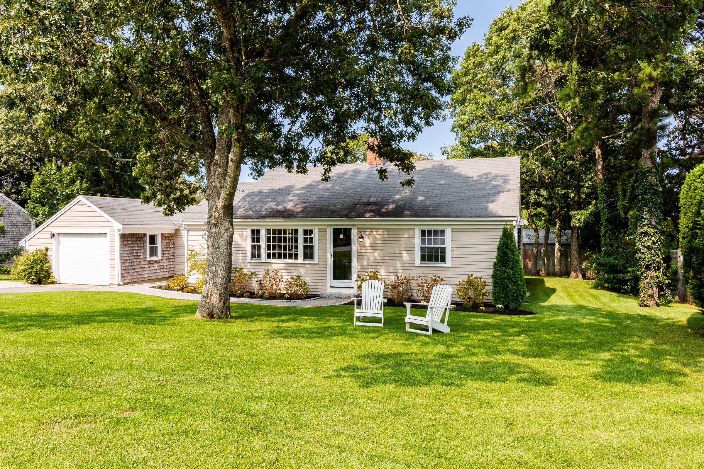 10 Red Jacket Road, Yarmouth Port MA, 02675 details