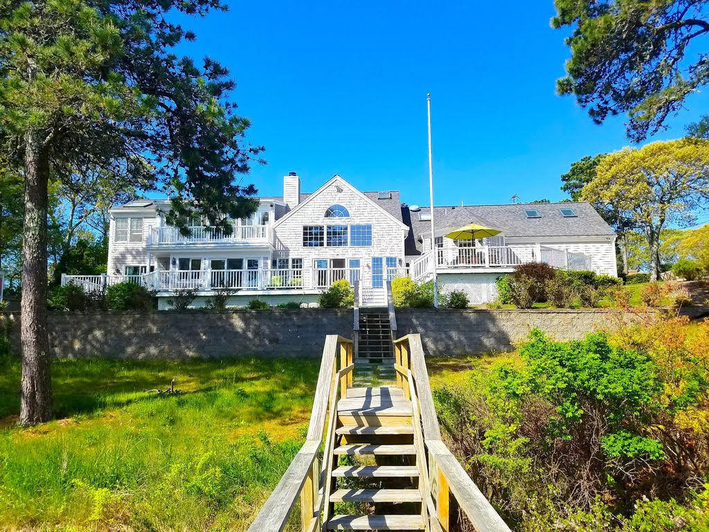 190 Blue Rock Road, South Yarmouth MA, 02664 details