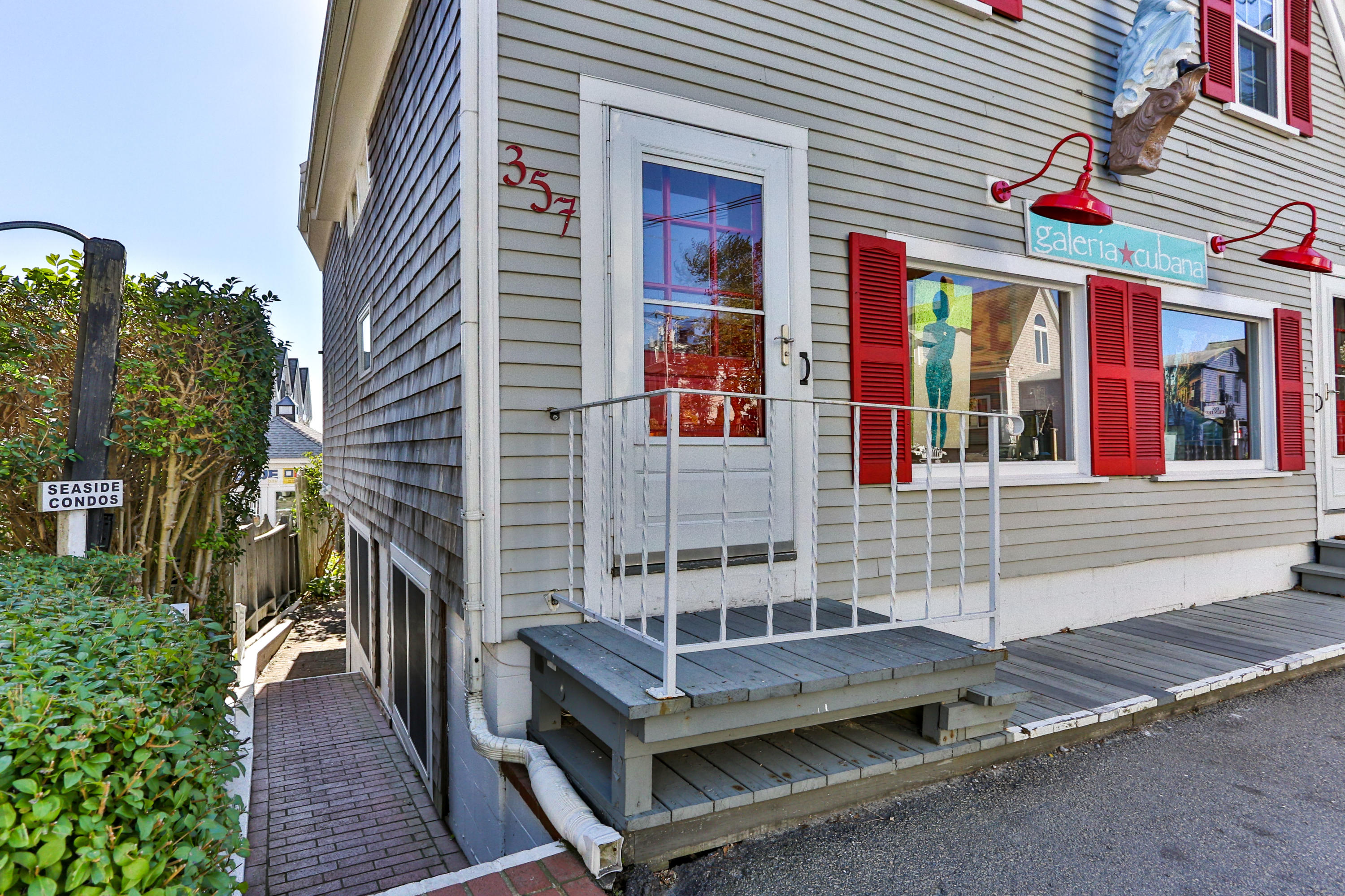 357 Commercial Street, Provincetown MA, 02657 details
