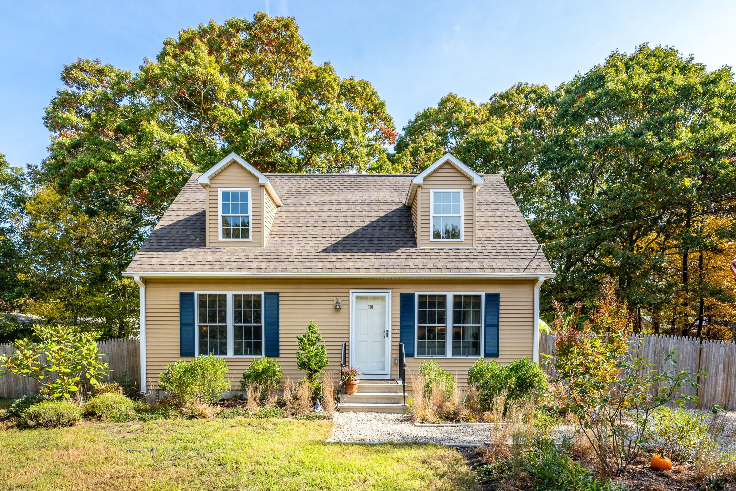 370 Camp Street, West Yarmouth MA, 02673 details