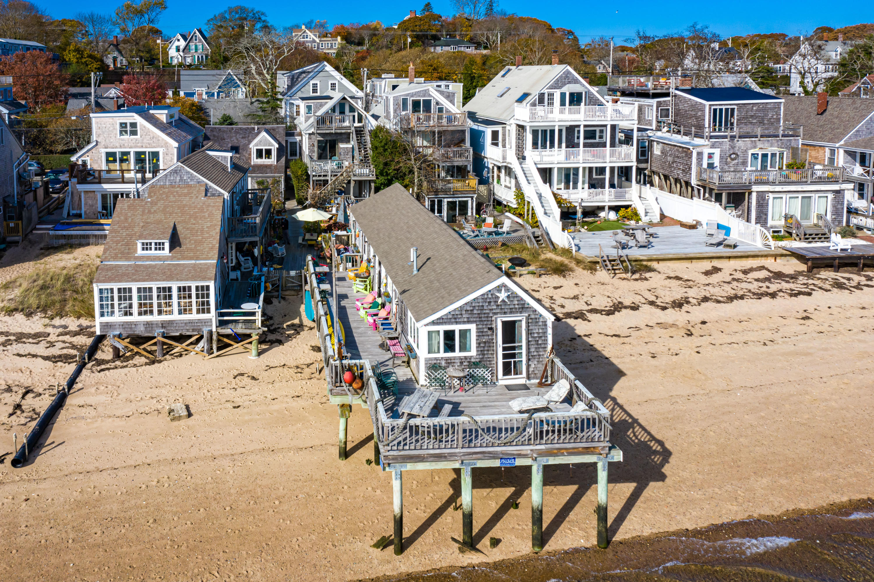 437 Commercial Street, Provincetown MA, 02657 details