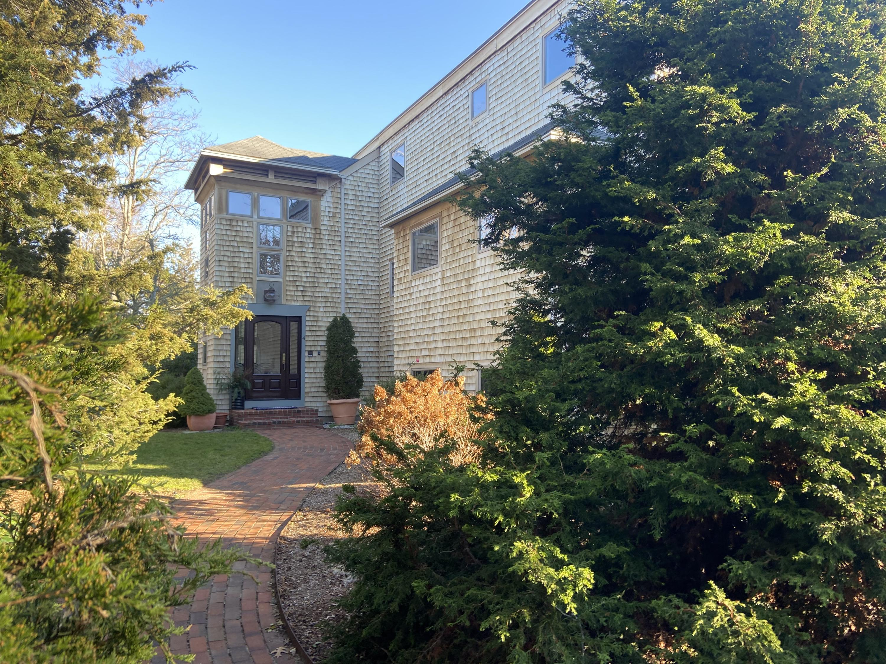 4 Rabbit Run, Eastham MA, 02642