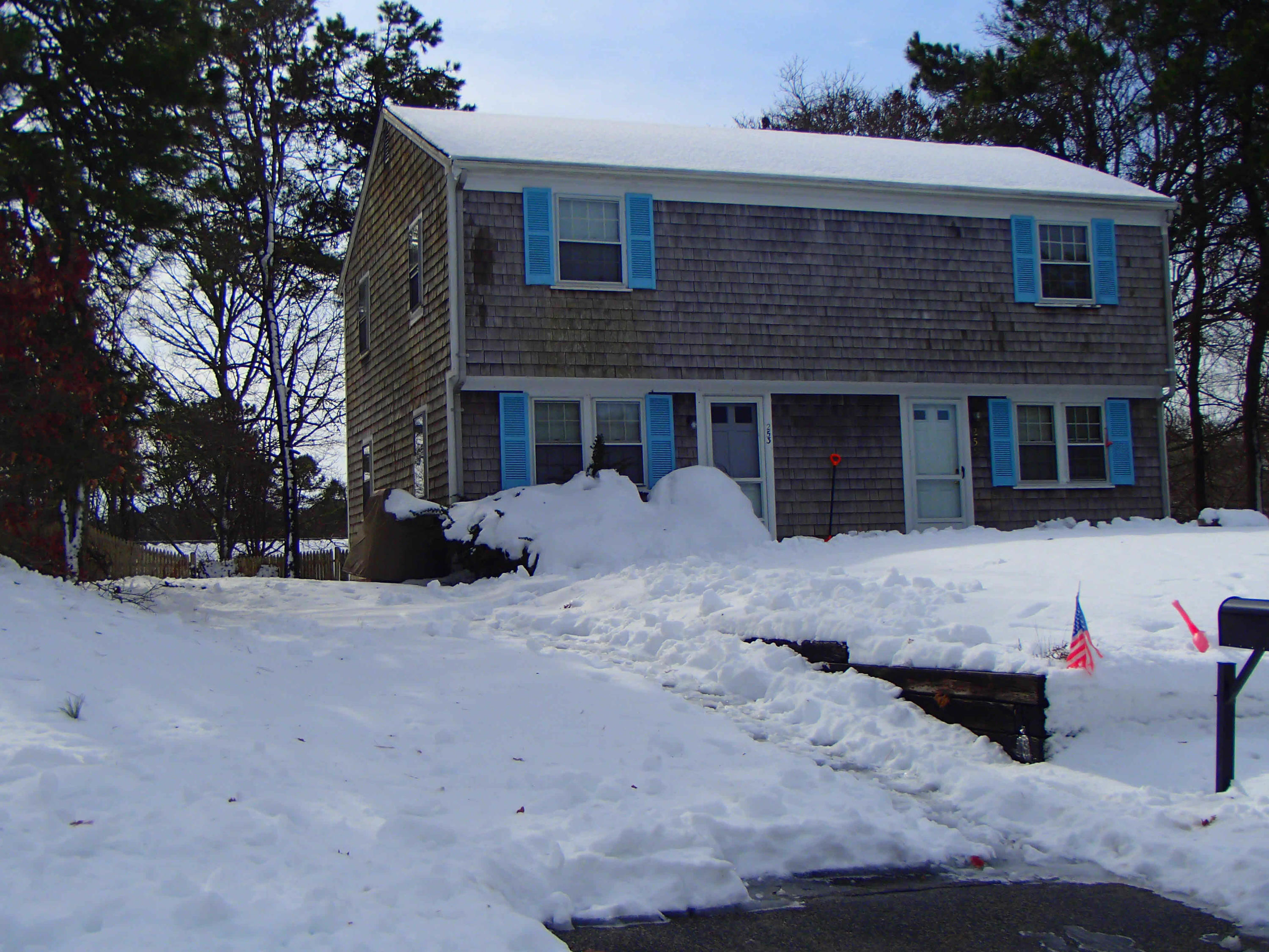 253-255 Old Townhouse Road, West Yarmouth MA, 02673 details