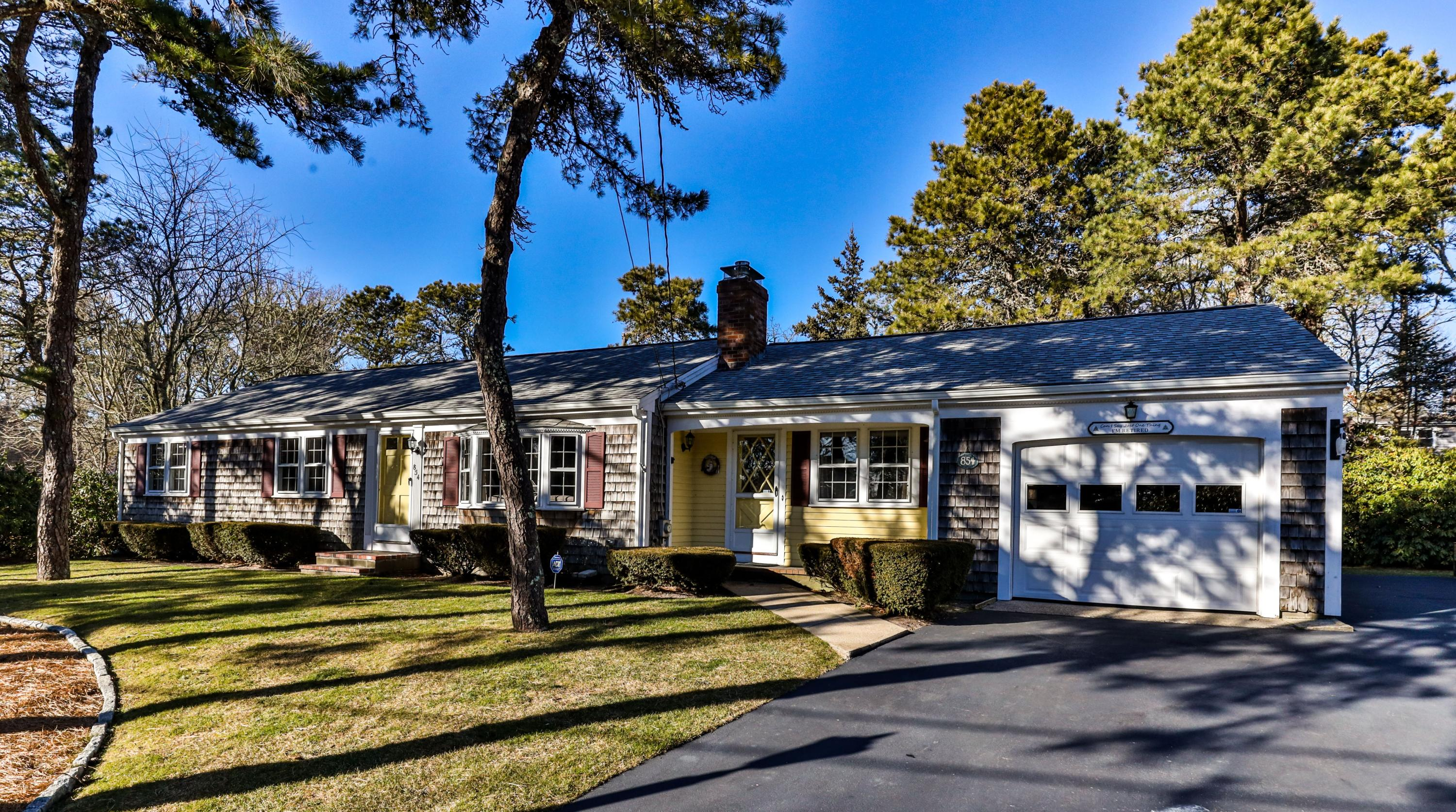854 Queen Anne Road, Harwich MA, 02645 details
