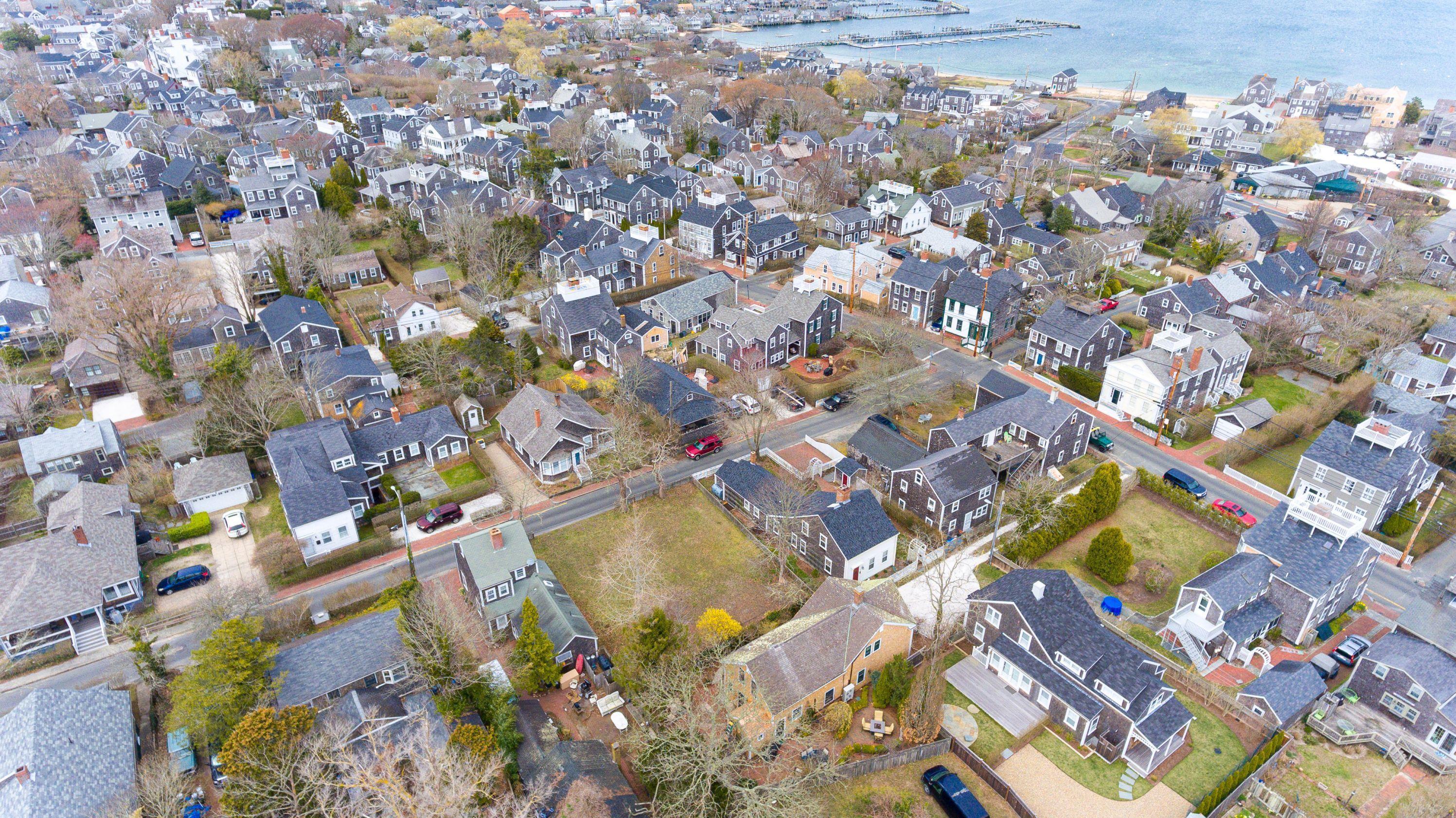 10 York Street, Nantucket